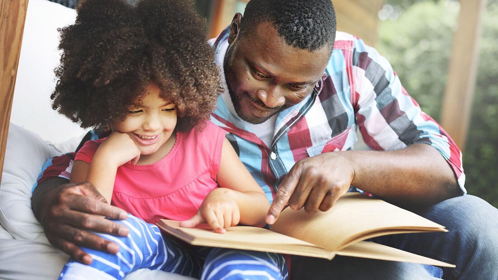 Voorlezen is gezellig, ontspannend én belangrijk voor een goede leesontwikkeling